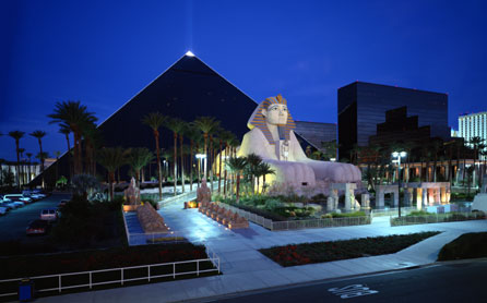 Las-Vegas-Riviera-Maya-Luxor-Luxor